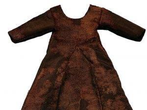 Un vestitino in lana del XIV secolo ritrovato in Groenlandia: apparteneva a una bambina