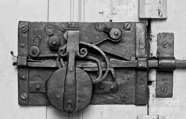 Perchè è importante riparararele serrature antiche, anzichè sostituirle